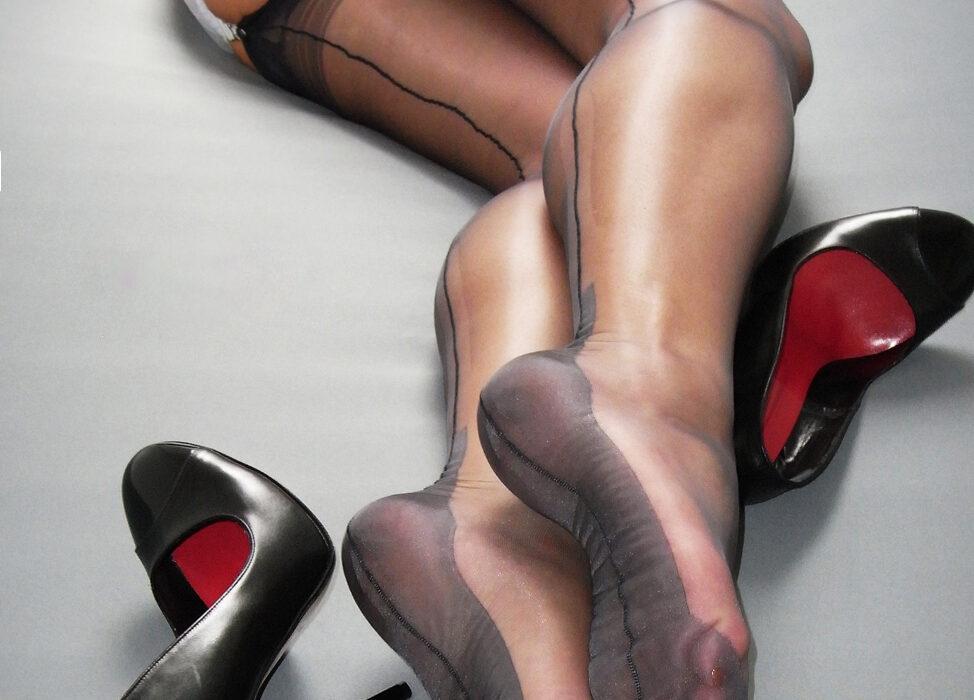 fetiš na najlonke i stopala